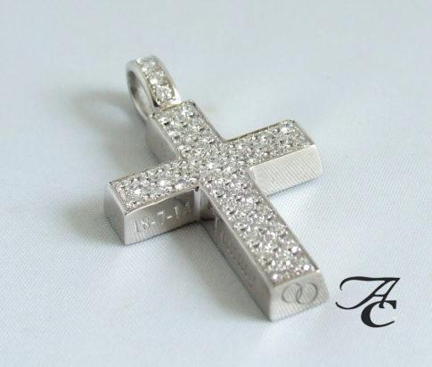 Wit gouden kruis