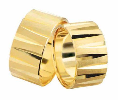 Geel gouden trouwringen oneffen