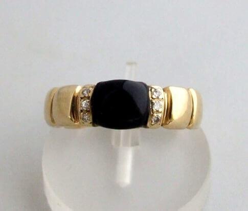 Gouden ring met onyx