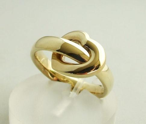 Geel gouden trouwring harten model