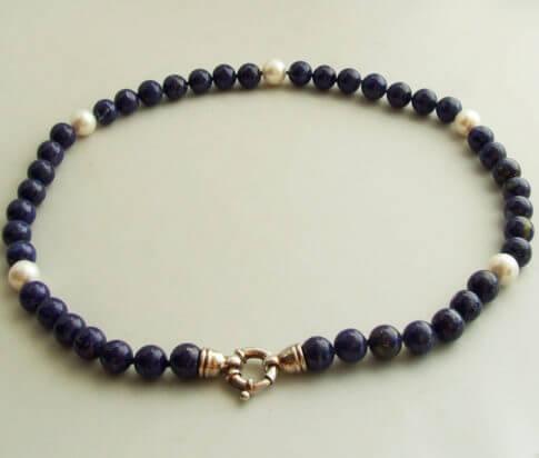 Collier met Lapis Lazuli en parels