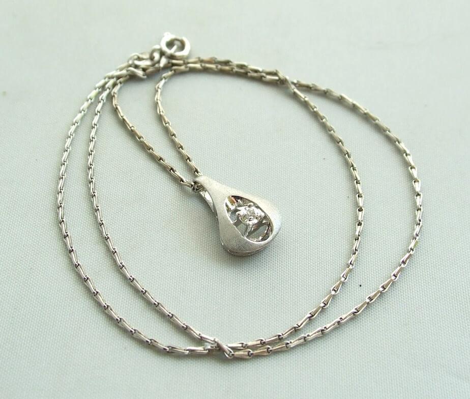14 krt wit gouden collier en hanger met diamant 0477