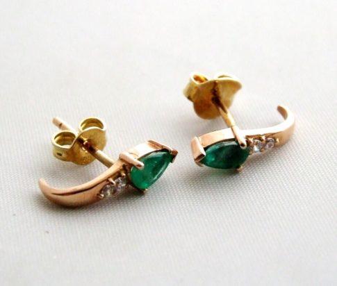 Gouden oorbellen met smaragd en zirkonia