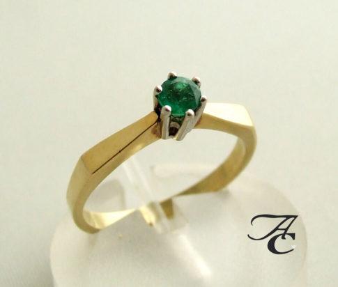 Gouden ring met smaragd