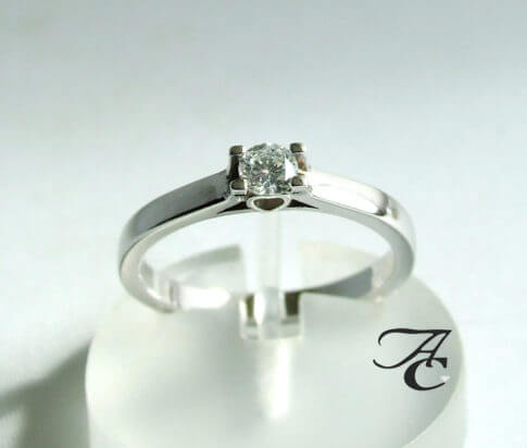 Harten ring met diamant
