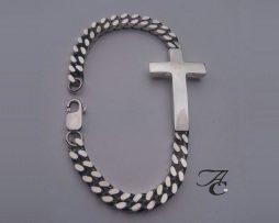 Zilveren armband met kruis