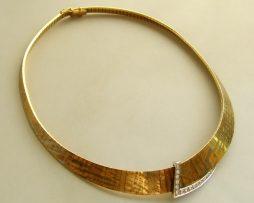 18 krt gouden collier met diamanten