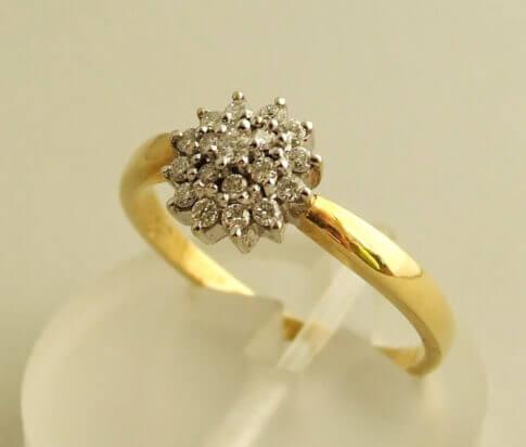 Geel gouden vintage ring met diamanten