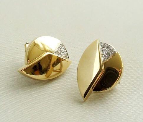 18 karaat gouden oorbellen met diamanten