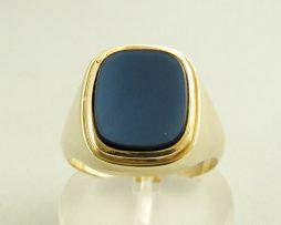 Gouden ring met lagesteen