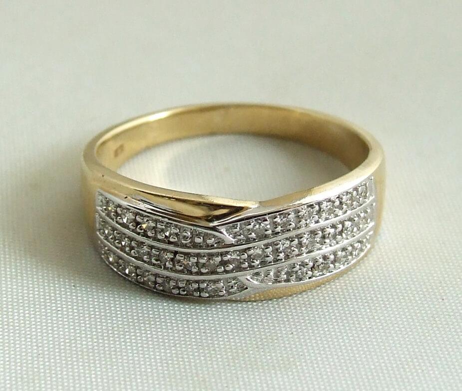gouden-ring-met-diamanten-8639