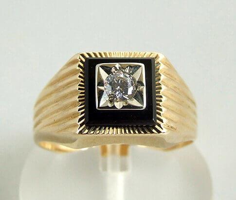 Gouden zirkonia en onyx ring
