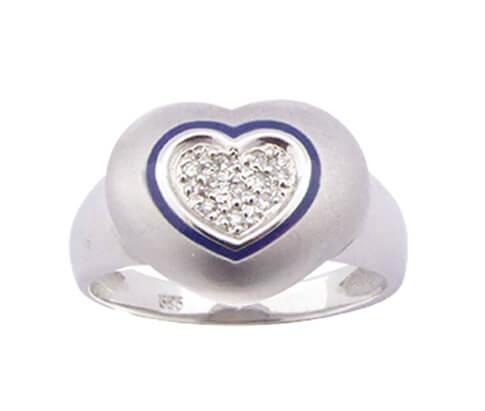 Wit gouden harten diamanten ring