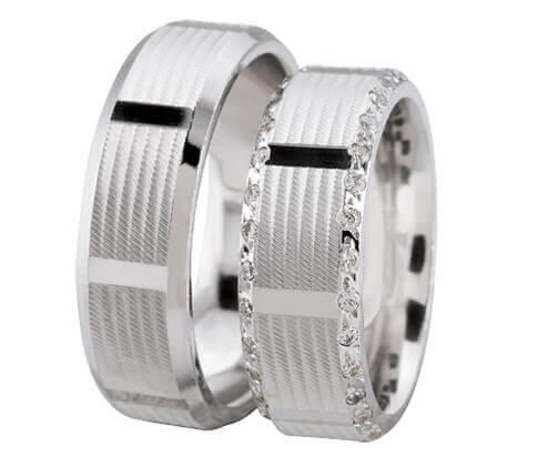 Wit gouden trouwringen met 2 rijen diamanten