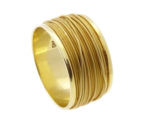 Gouden gevlochten draad ring