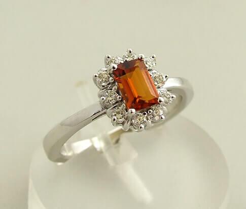 Wit gouden diamanten ring met citrien