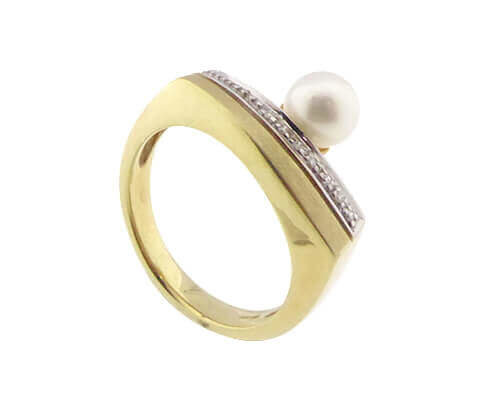 Christian parel ring met diamant
