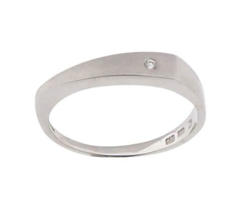 Christian wit goud ring met 1 diamant