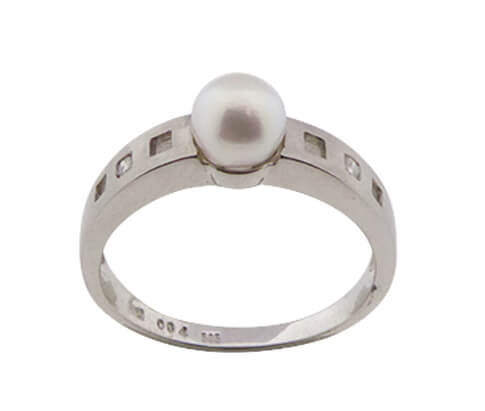 Wit gouden ring met 2 diamanten en parel